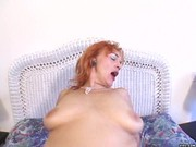 Redhead hottie loves stimulating mouthjob