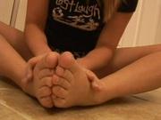 Blonde bitch shows off her feet